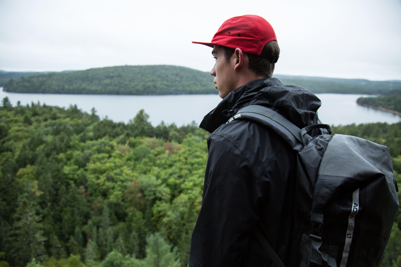 Kostenloses Stock Foto zu bäume, berge, erwachsener, felswand