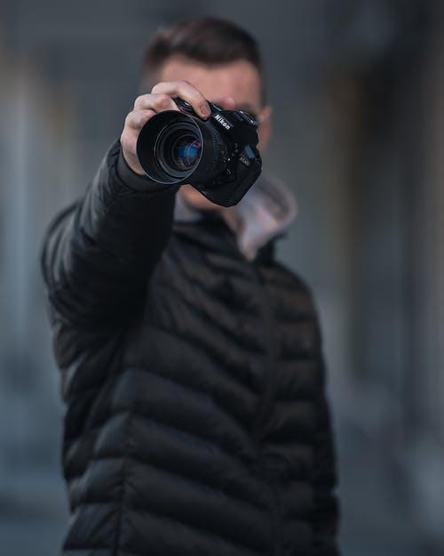 니콘, 니콘 카메라, 사진작가, 인물 사진의 무료 스톡 사진