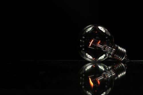 Бесплатное стоковое фото с лампа, легкий, стакан, электричество