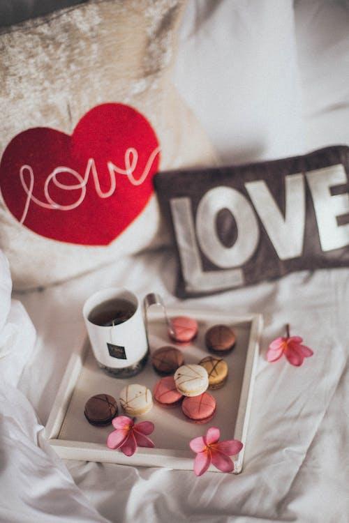 Kostenloses Stock Foto zu dessert, essen, kissen, makronen