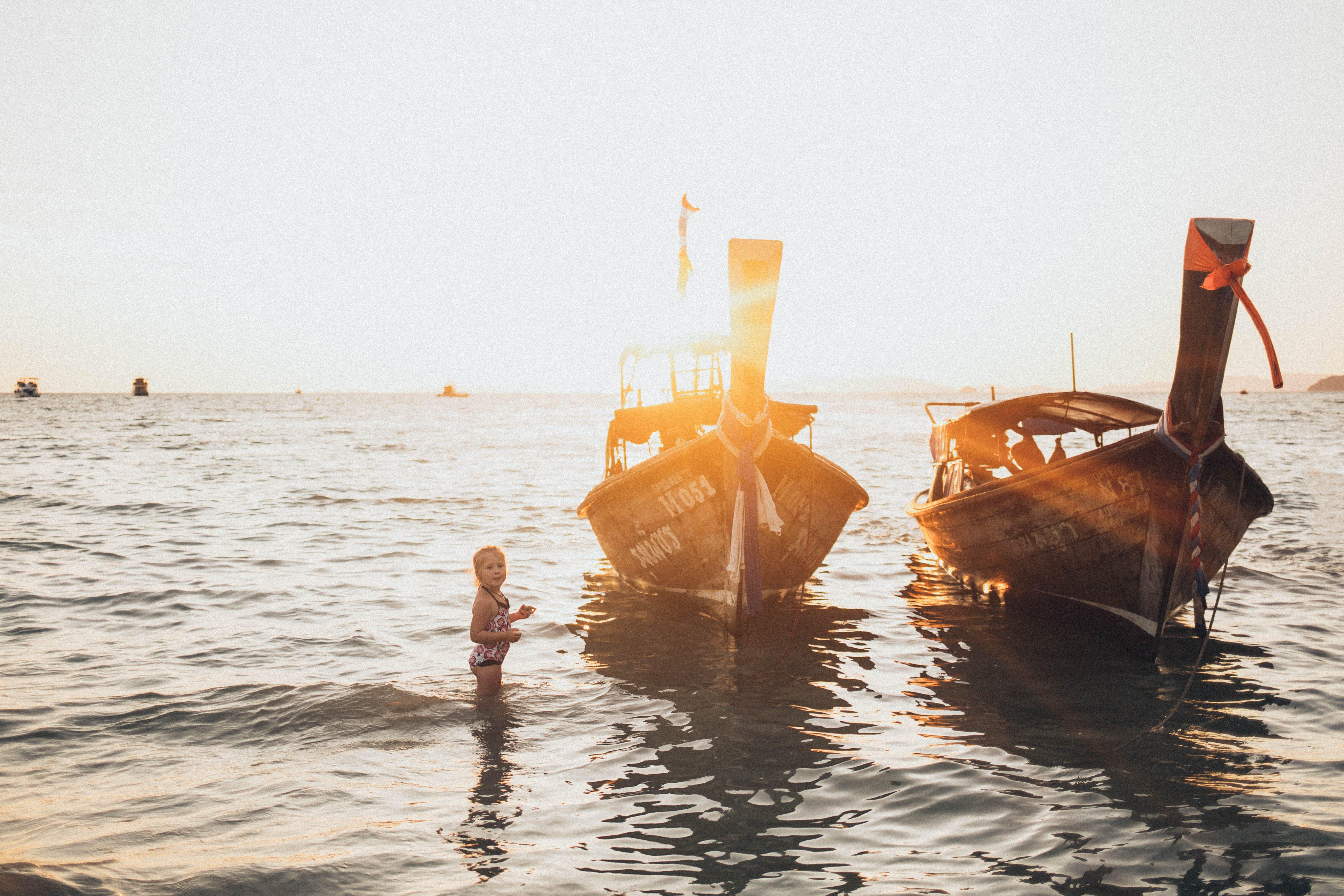 Gratis lagerfoto af både, hav, Pige, strand