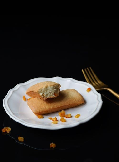 Gratis arkivbilde med bakverk, bestikk, brød, delikat