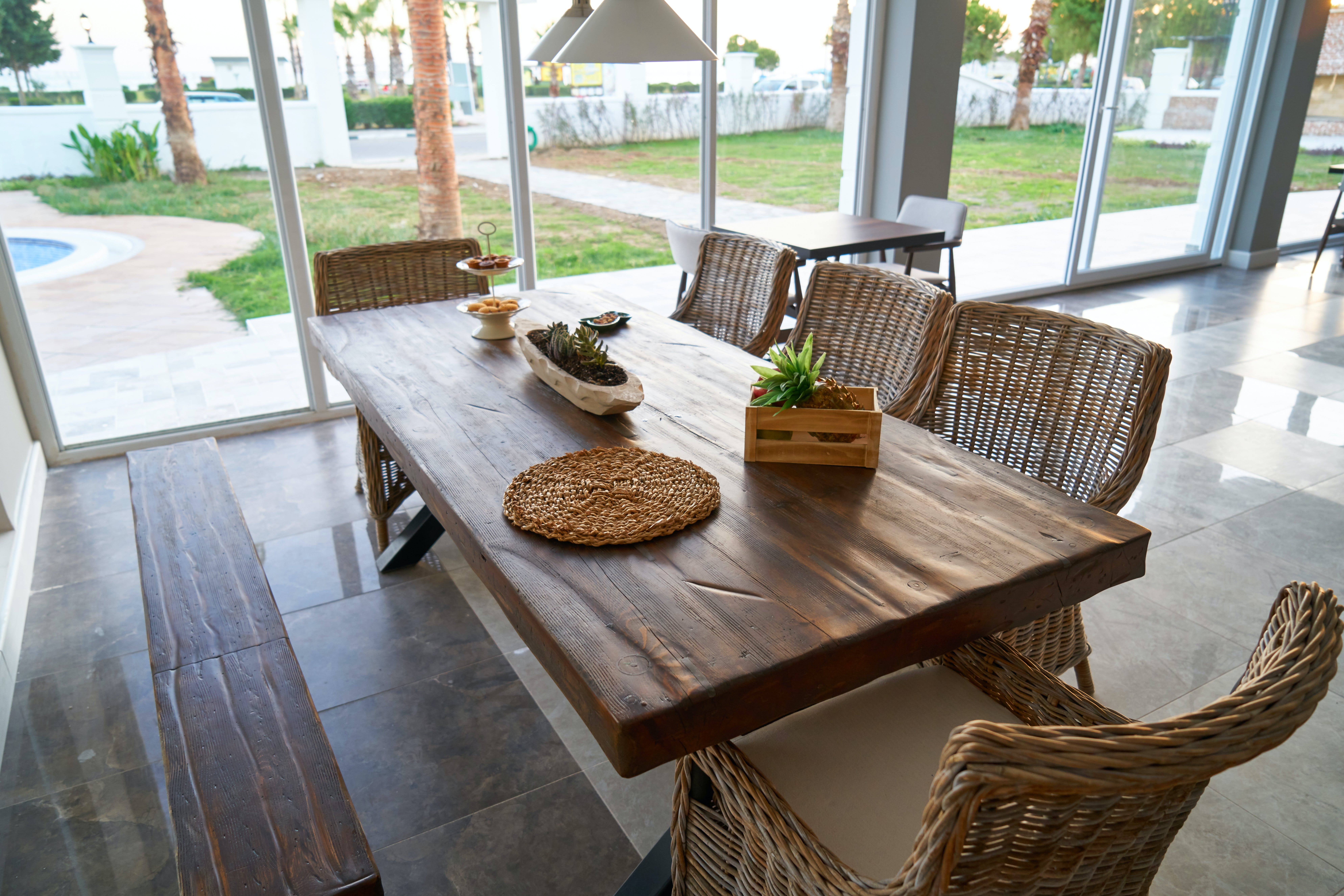 Round Mat On Dining Table
