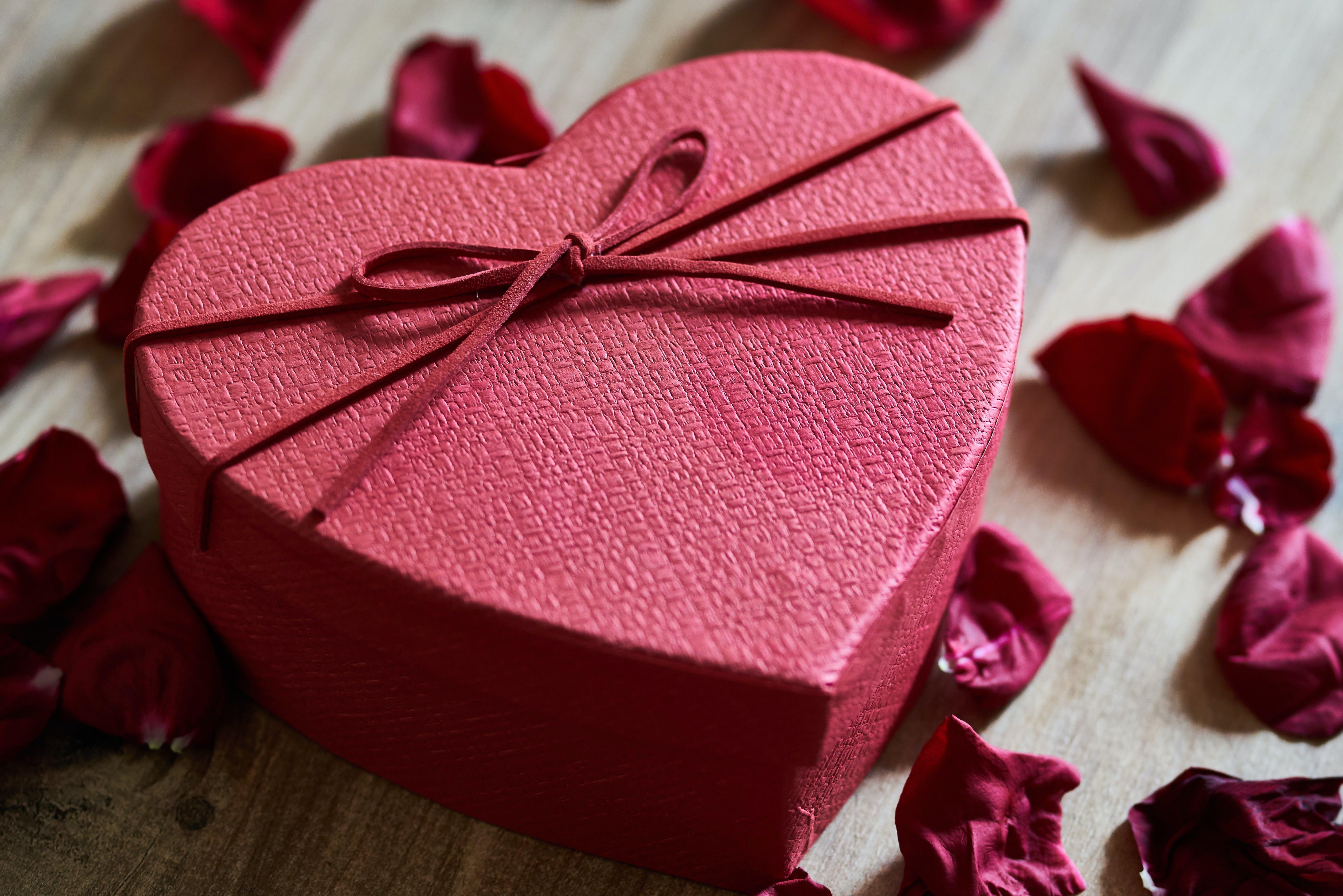 Free stock photo of box, gift, heart, love