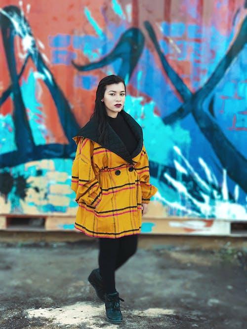 Darmowe zdjęcie z galerii z dziewczyna, graffiti, kobieta, ładny