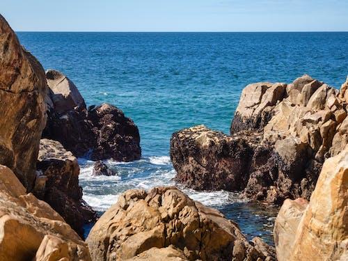 Бесплатное стоковое фото с берег, береговая линия, вода, волна