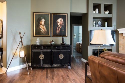 Бесплатное стоковое фото с бытовой прибор, гостиная, диван, дизайн