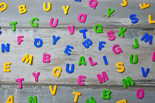 Fotobanka sbezplatnými fotkami na tému abeceda, abecedy, biela, červená