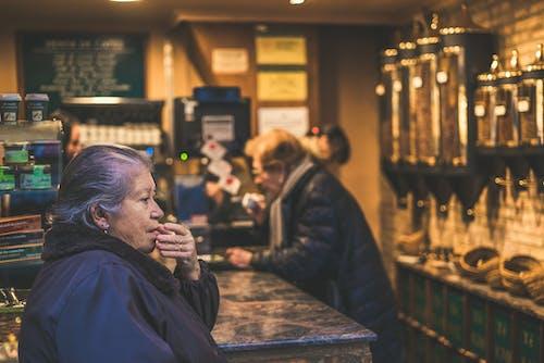 Безкоштовне стокове фото на тему «Вулиця, Іспанія, люди»