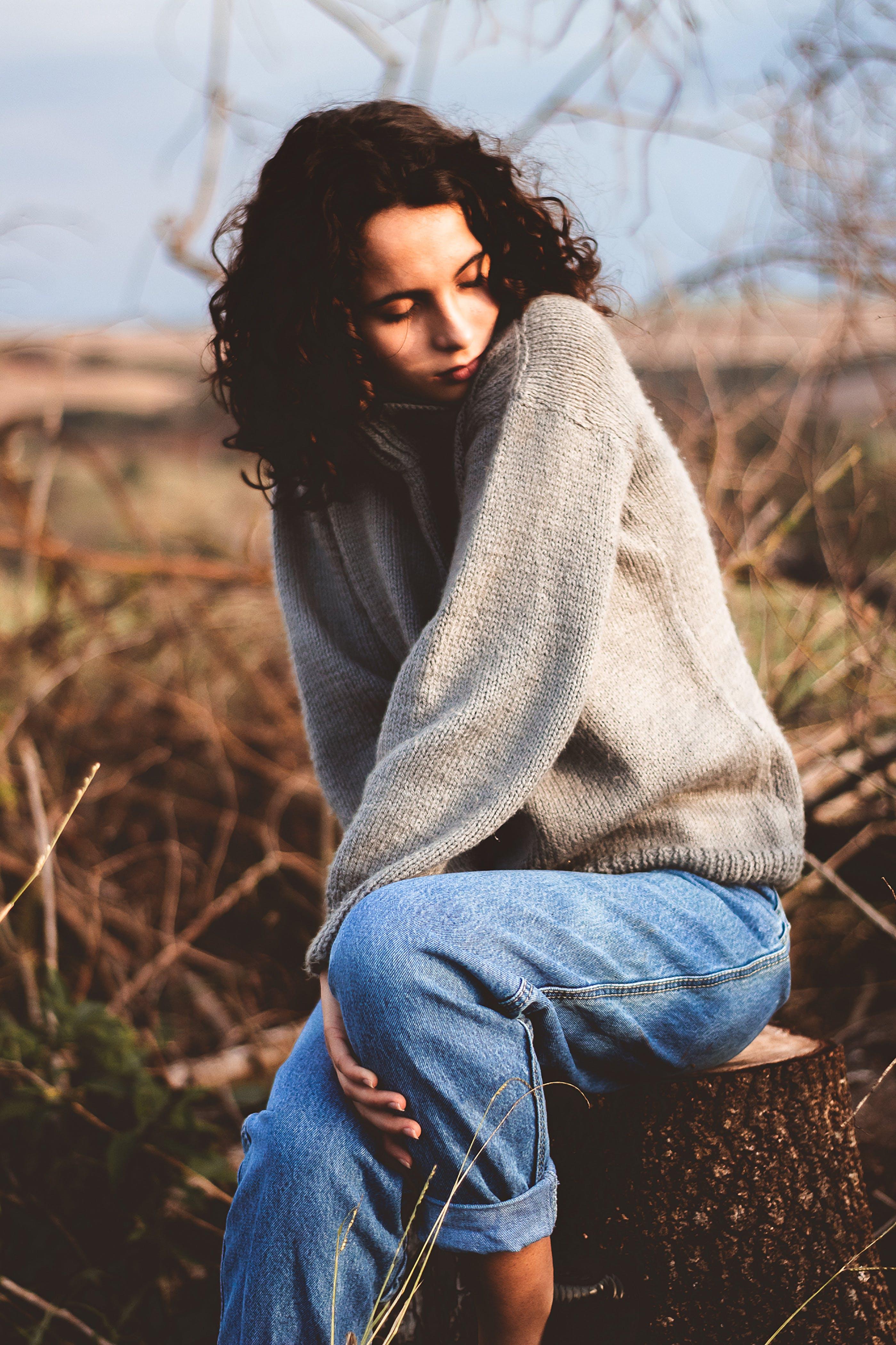 Free stock photo of beautiful girl, beautiful woman, blue jeans, brown hair