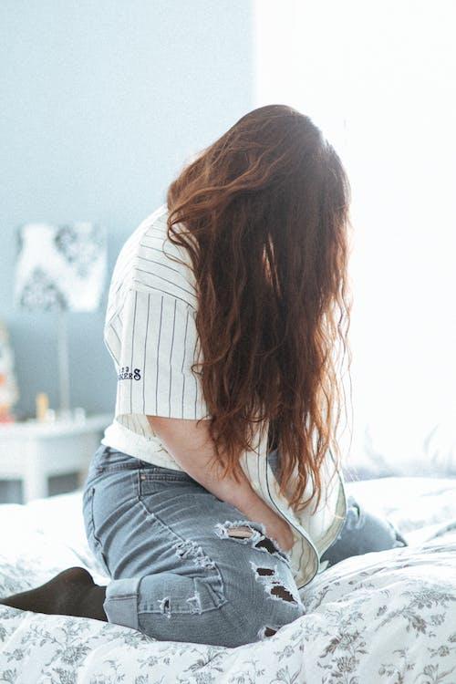 Fotos de stock gratuitas de cabello, cabellos, cama, melena