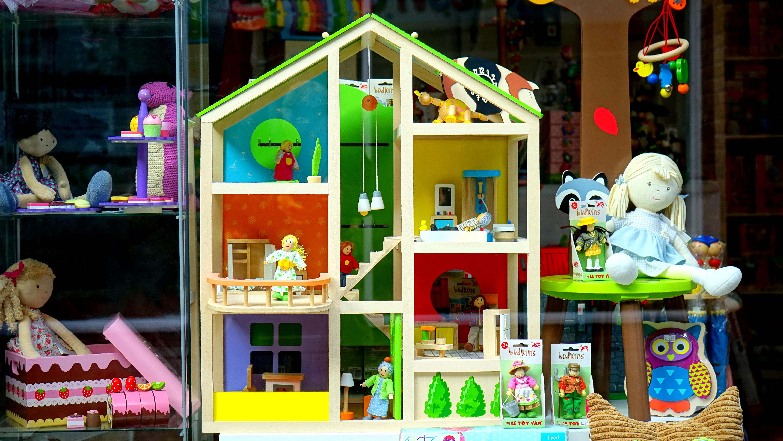 domek dla lalek - drewniane zabawki dla dziecka
