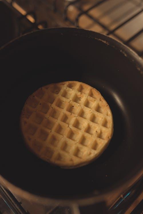 Round Waffle on Pot