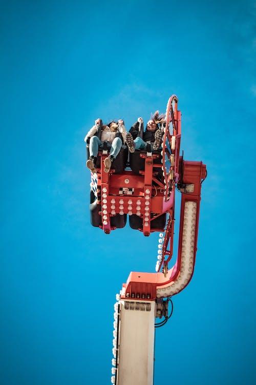 Kostenloses Stock Foto zu aufnahme von unten, entertainment, fahrten, himmel
