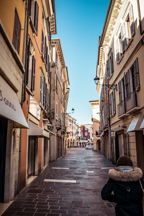 Foto d'estoc gratuïta de antic, arquitectura, botigues, carrer