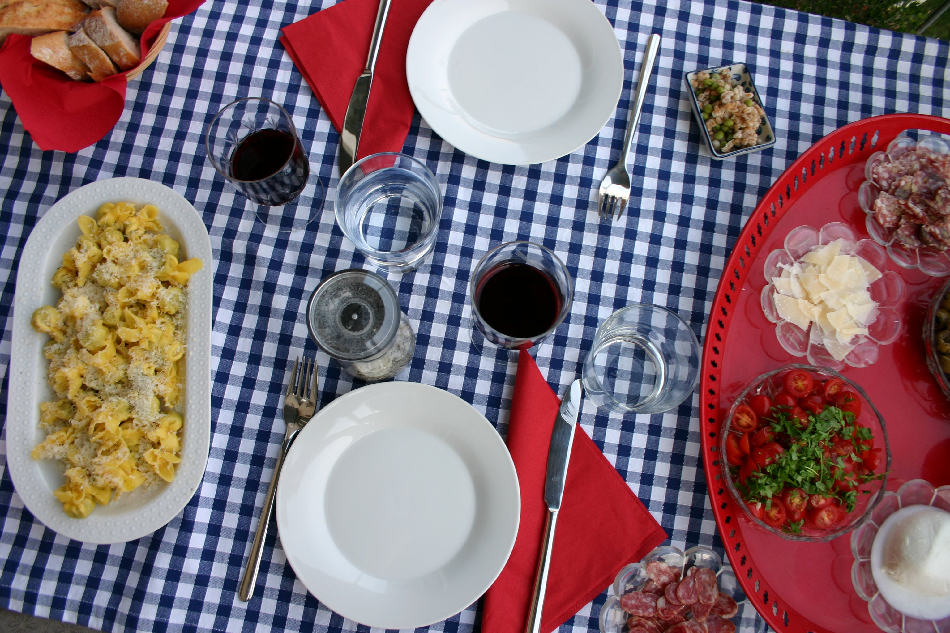 Free stock photo of lunch, picnic table