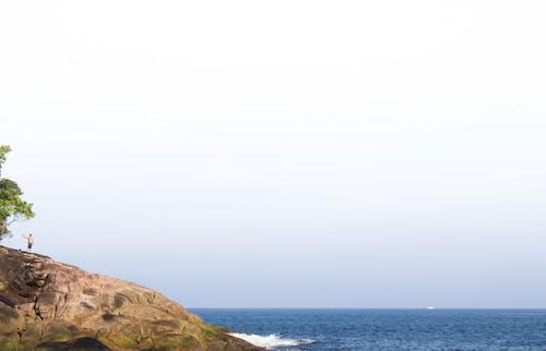 Foto d'estoc gratuïta de autofoto, blau, cel blau, homes