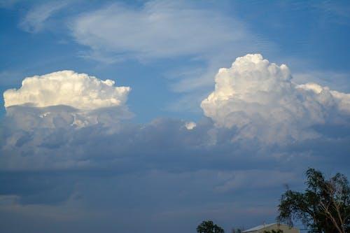 Δωρεάν στοκ φωτογραφιών με γαλάζιος ουρανός, λευκά σύννεφα, ουρανός, σύννεφα