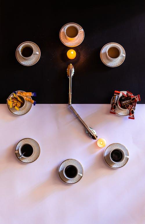 Gratis lagerfoto af afslapning, afslappende, hvid baggrund, hvid kaffe