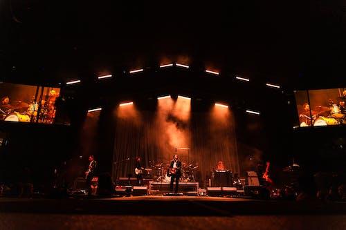 Foto d'estoc gratuïta de actuació, actuació en directe, banda, celebració