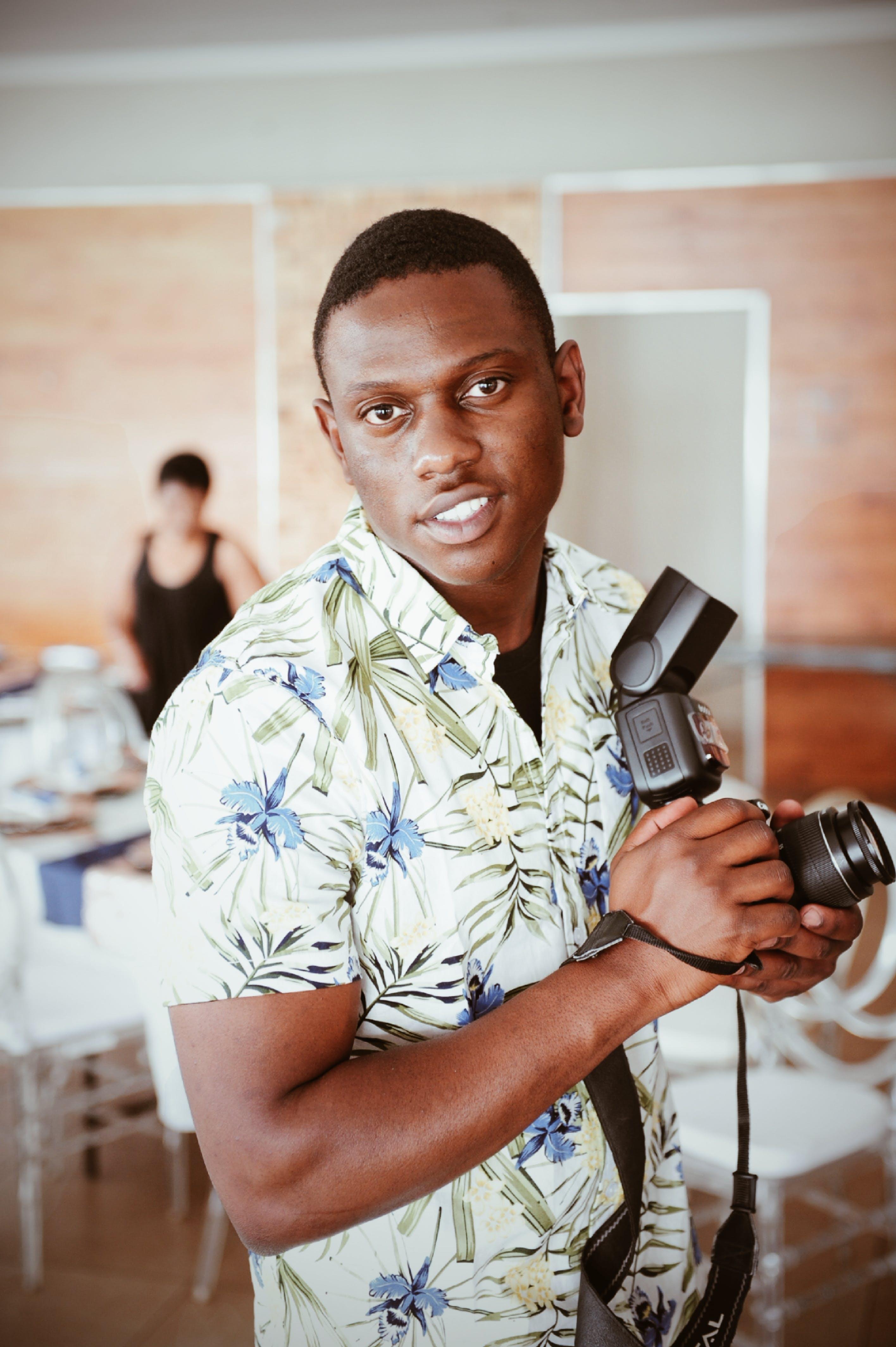 Foto stok gratis ekspresi muka, fotografer, laki-laki, lelaki berkulit hitam