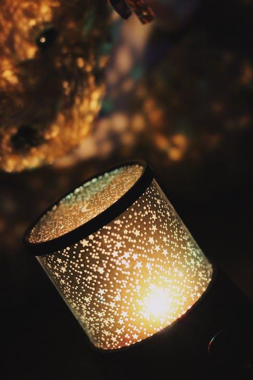Foto profissional grátis de abajur, escuro, iluminado, leve