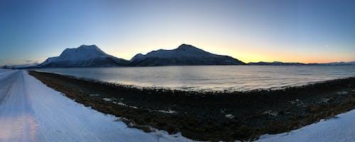 Foto stok gratis fjord, gunung, lautan, matahari terbenam