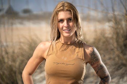Fotos de stock gratuitas de actitud, atractivo, beige, belleza