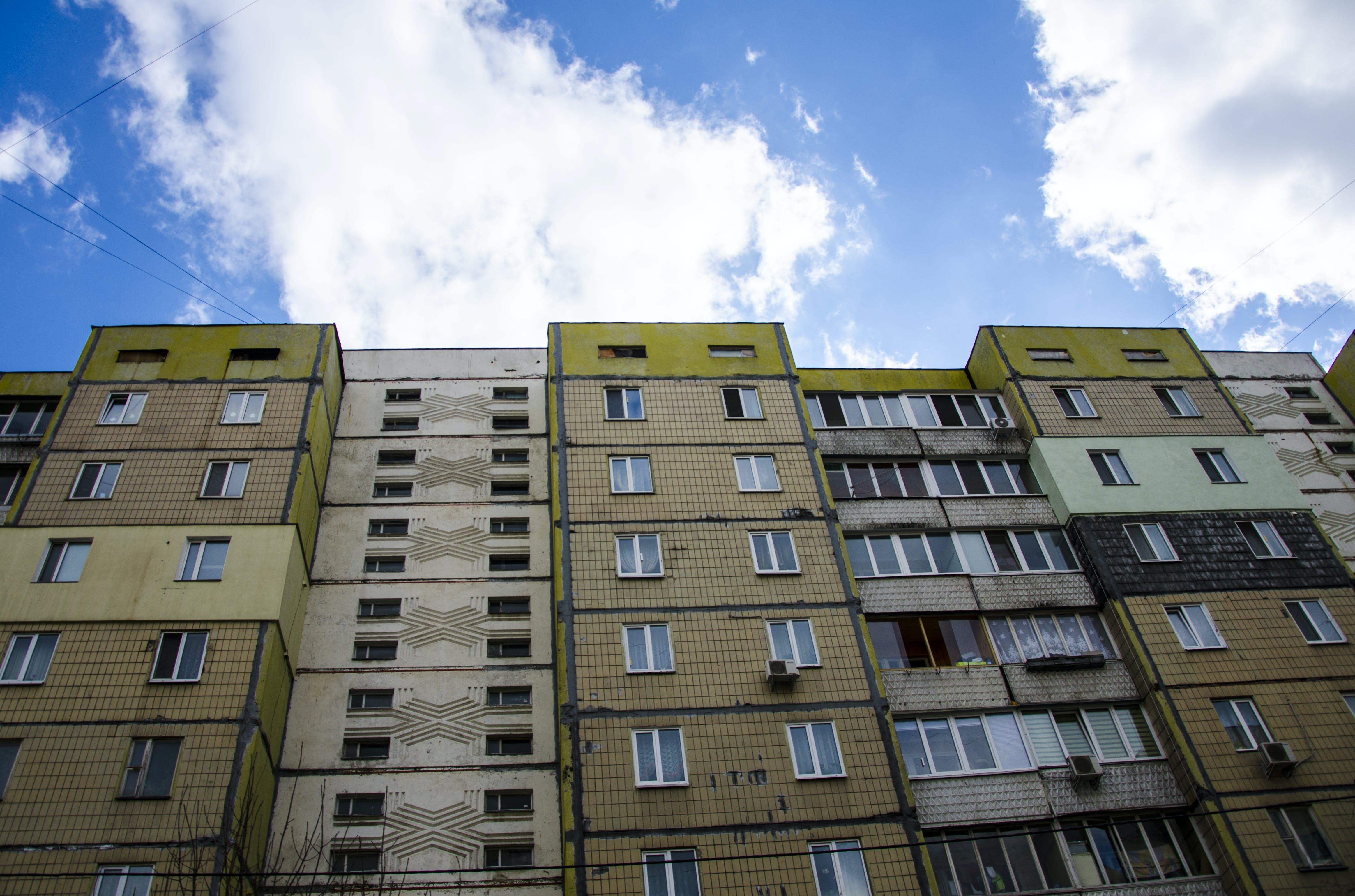 Kostenloses Stock Foto zu gebäude, altes gebäude, wohngebäude