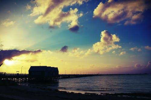 光, 多雲的, 太陽, 巴瑟尔顿码头 的 免费素材照片