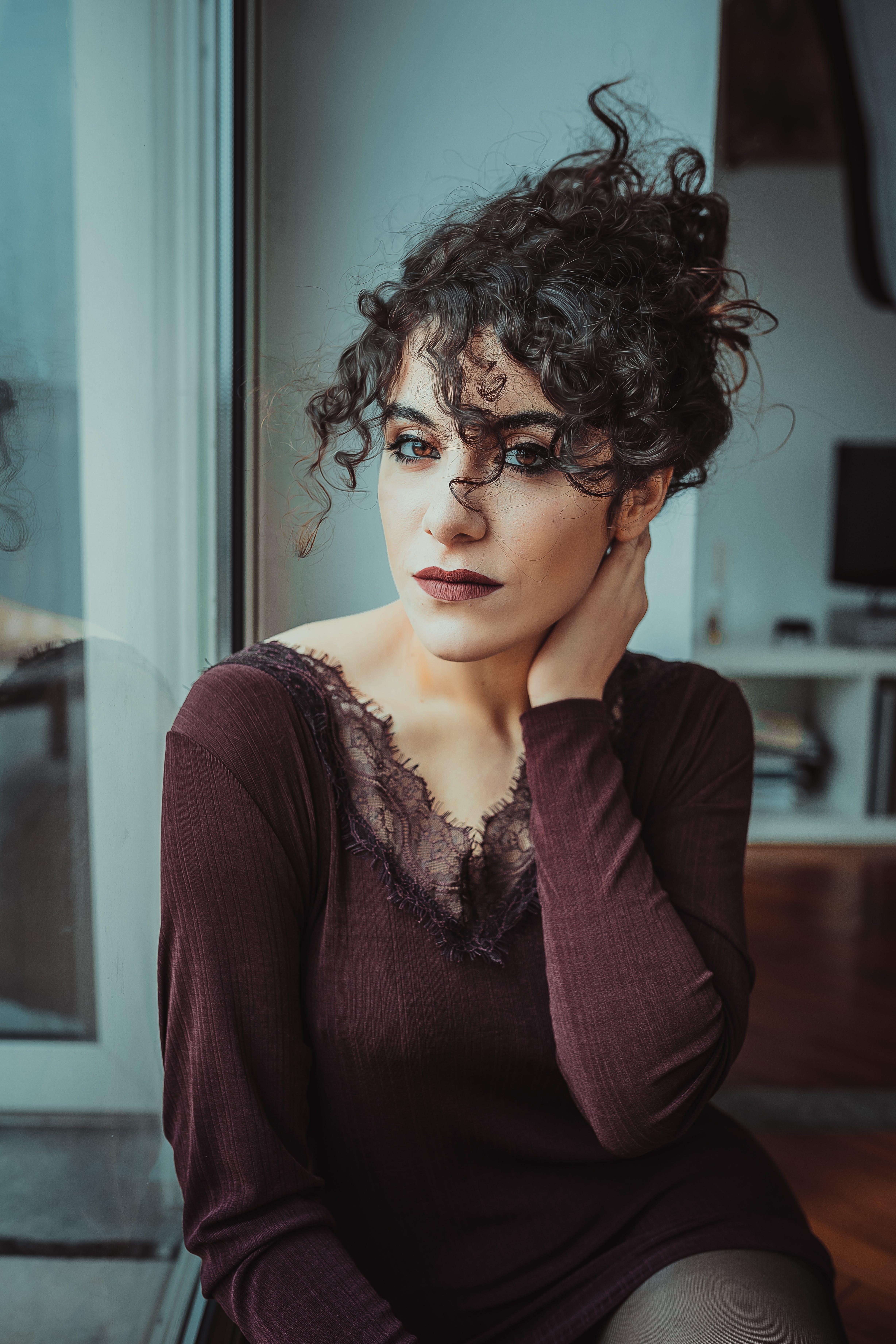 Základová fotografie zdarma na téma dáma, dívání, hezký, krásná žena