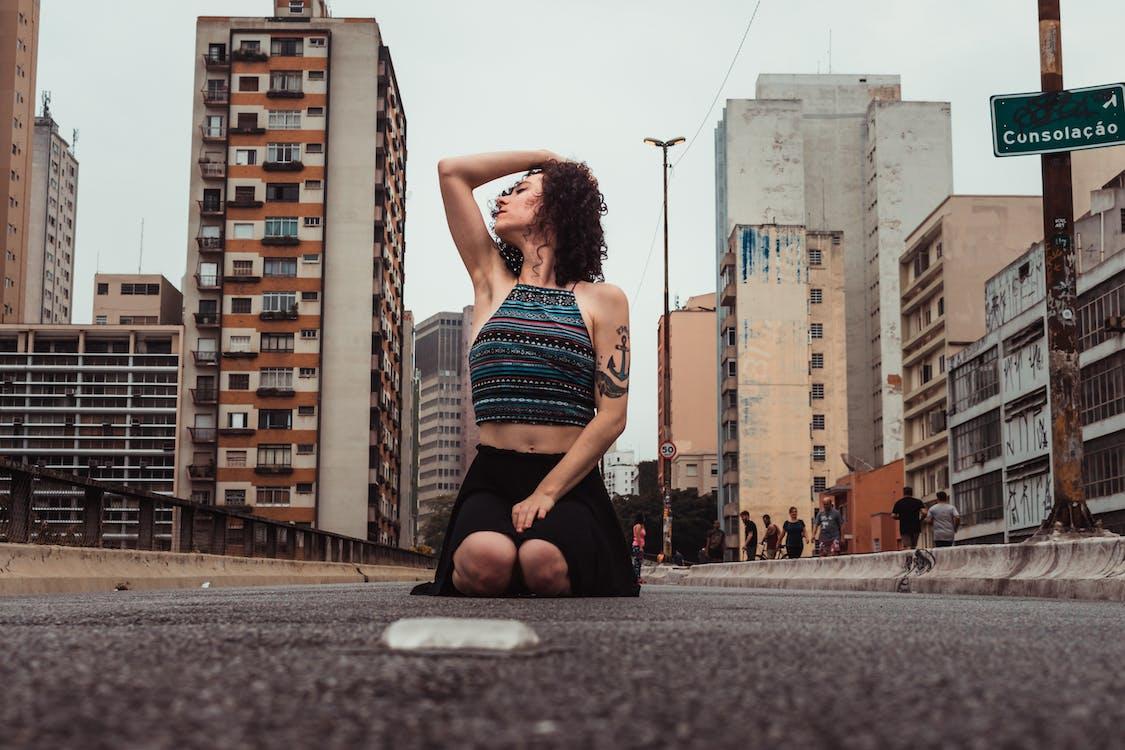 中空裝, 人行道, 低角度拍攝