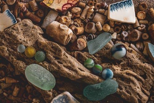Безкоштовне стокове фото на тему «Кераміка, мармур, морське скло, пляж»