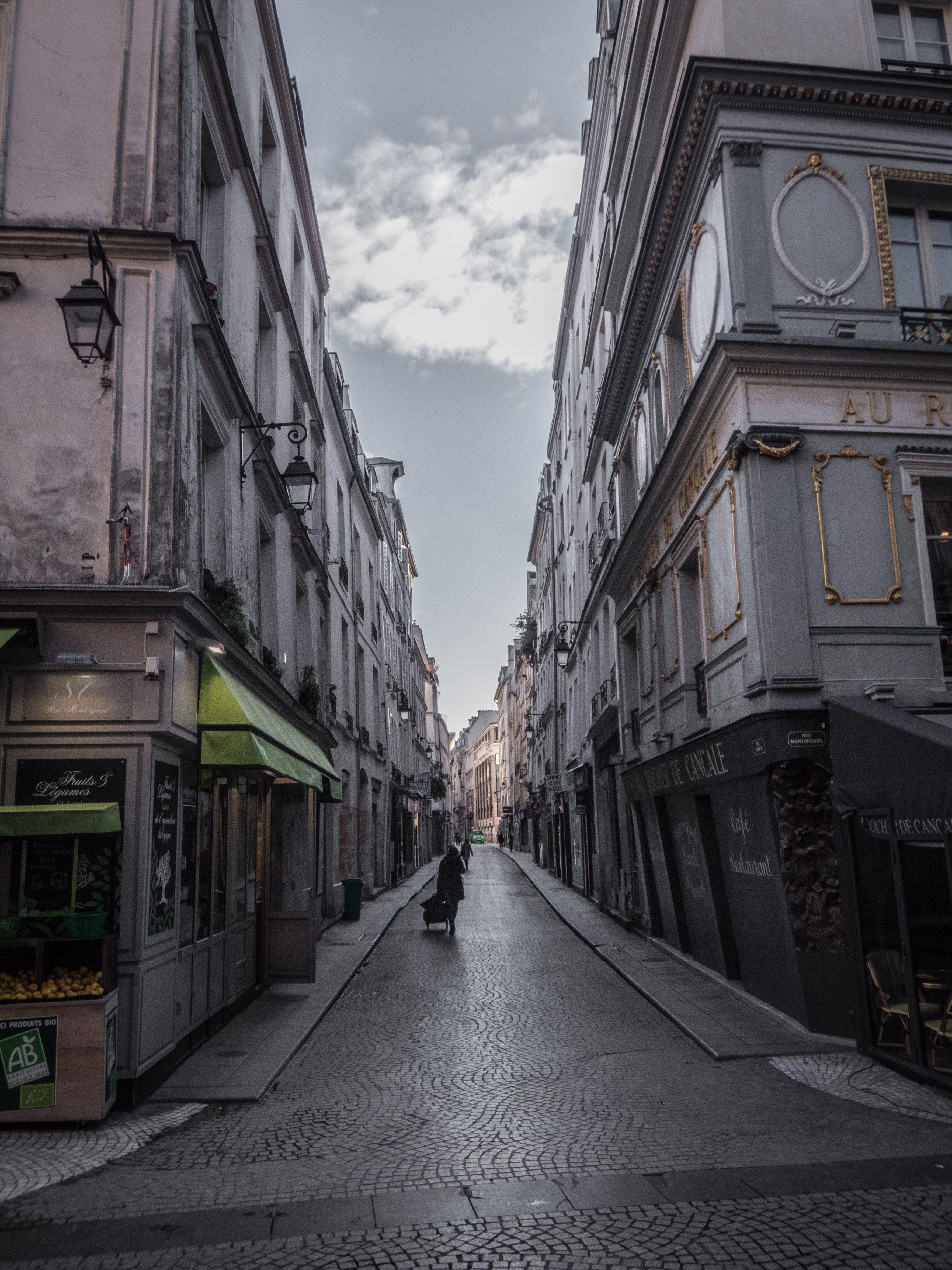Gratis stockfoto met frankrijk, gebouw, grijs, wolk