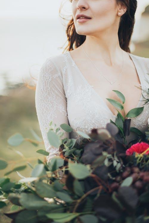 Gratis stockfoto met boeket, bruid, iemand, mevrouw