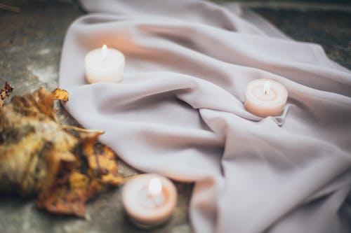 Gratis stockfoto met belicht, doek, kaarsen, textiel