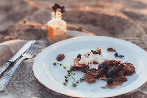 Kostenloses Stock Foto zu essen, gabel, köstlich, teller