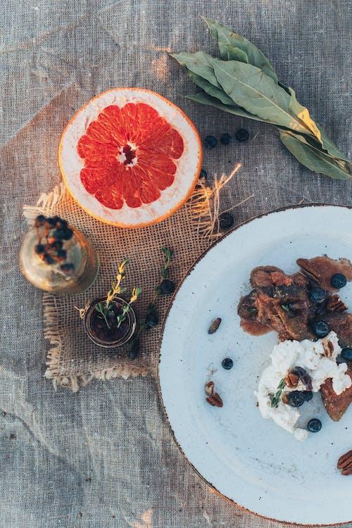 Foto profissional grátis de alimento, delicioso, fruta, placa