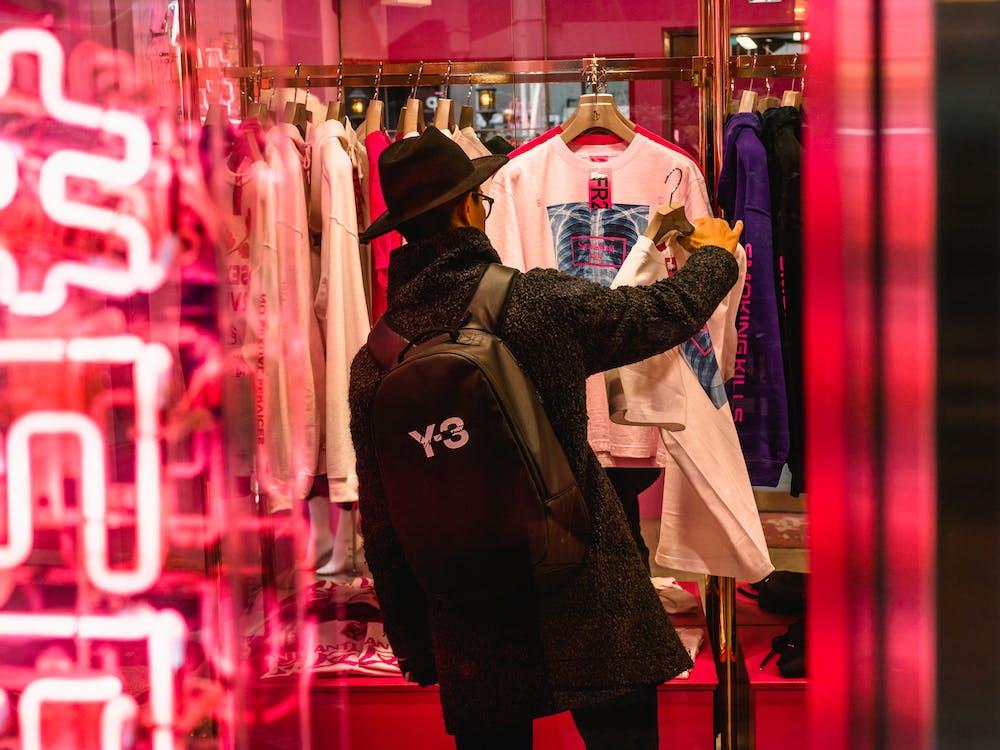 boutique, förhandla, ha på sig