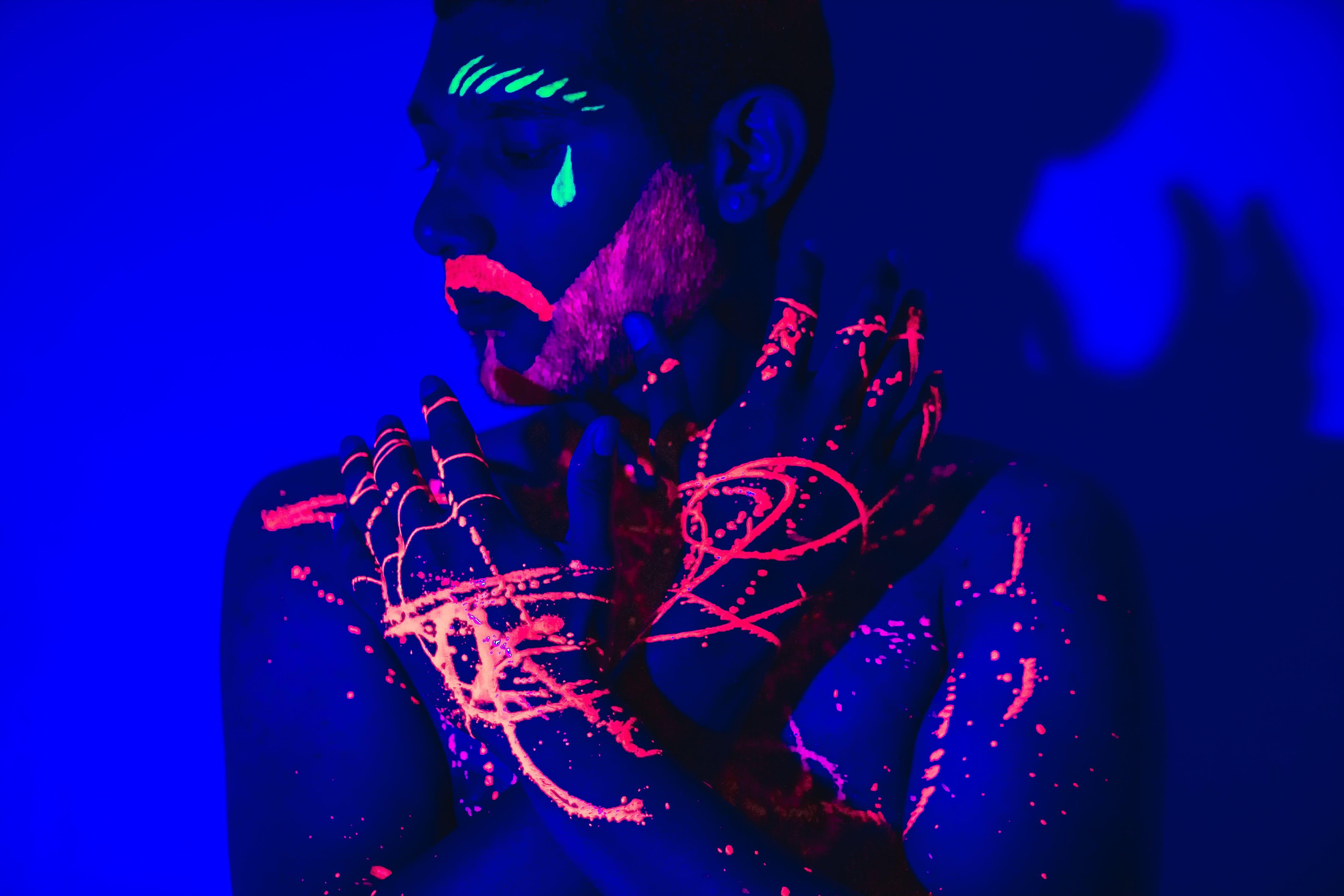 Darmowe zdjęcie z galerii z body art, ciemny, graficzny, kolory