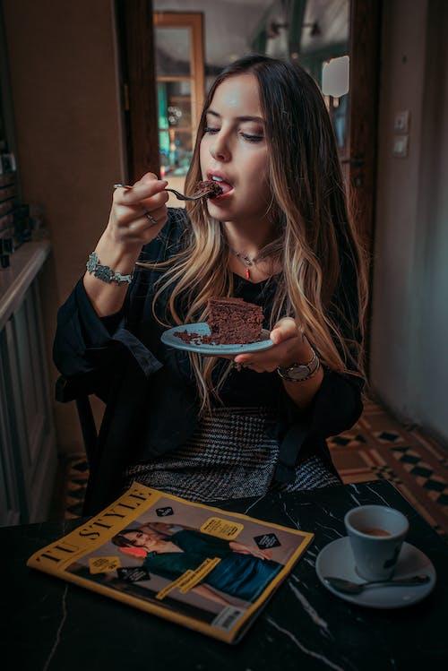 Free stock photo of birthday cake, blueberry cheesecake, chocolate bar, chocolate cake