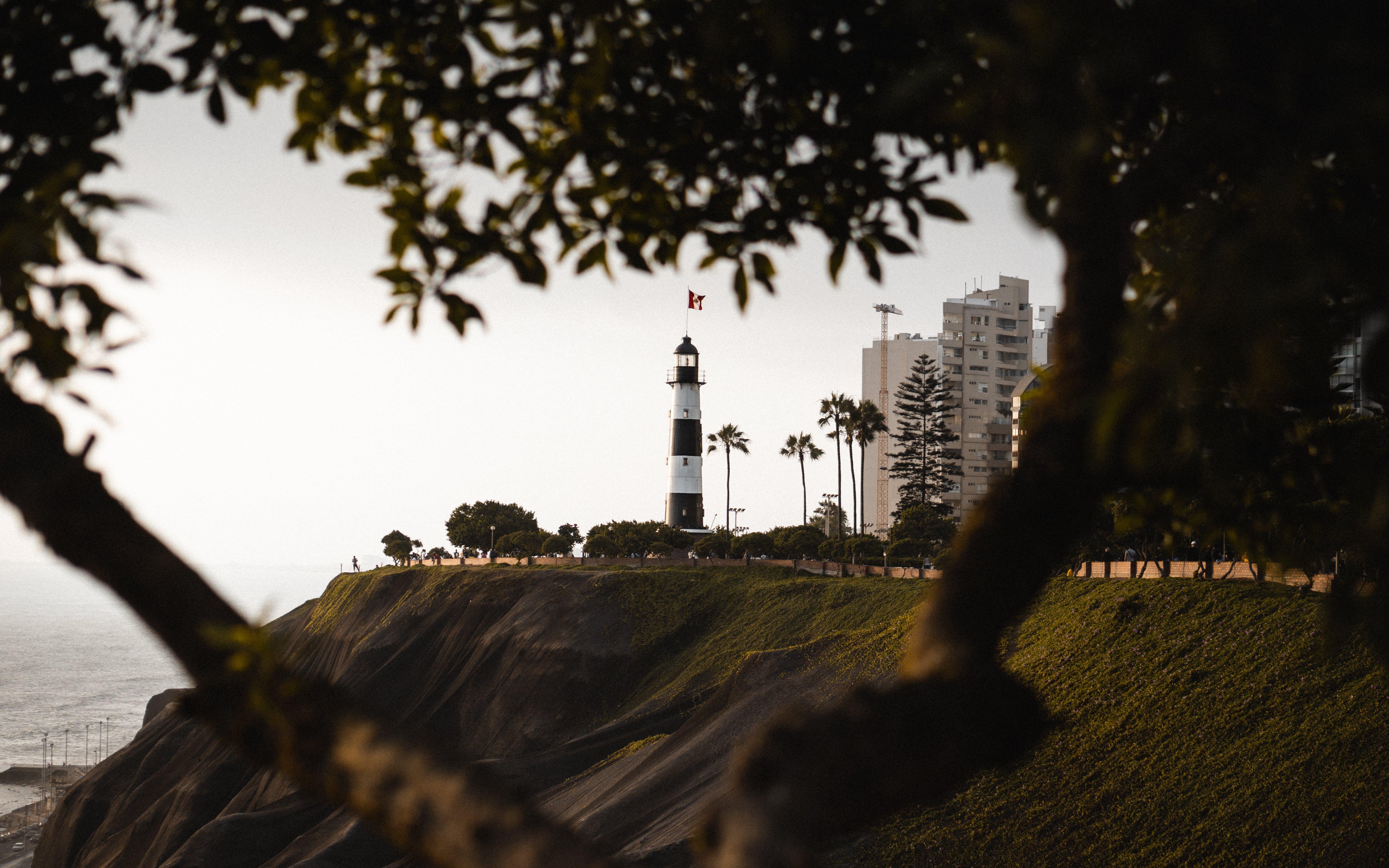Kostenloses Stock Foto zu architektur, bäume, draußen, felsen