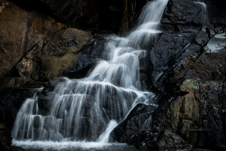 Kostenloses Stock Foto zu felsen, fließen, frakturen, wasserfall