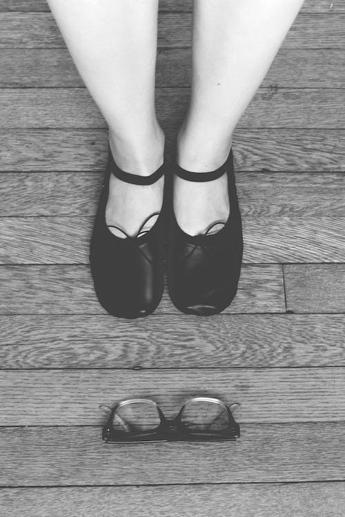 calçados, garota, madeira