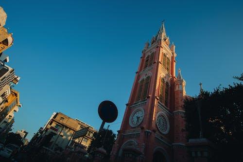 Foto stok gratis Arsitektur, bangunan, gereja, jam