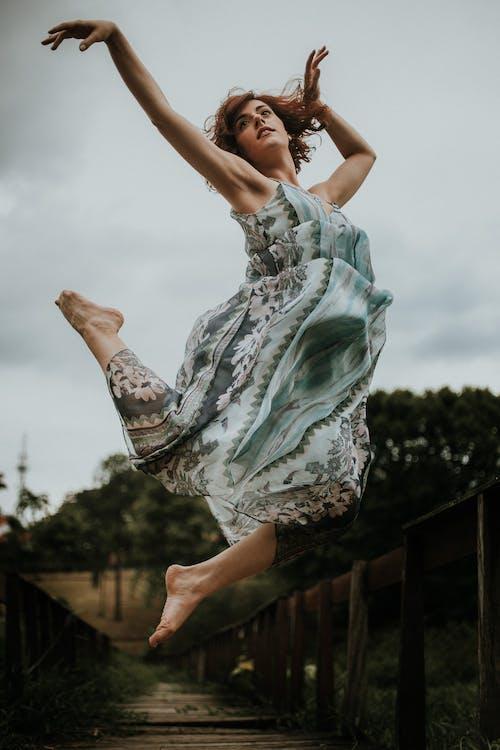 Kostenloses Stock Foto zu balletttänzer, fashion, frau, person