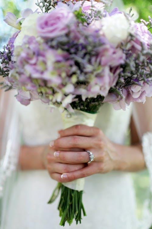 aliança, anel de casamento, anel de noivado