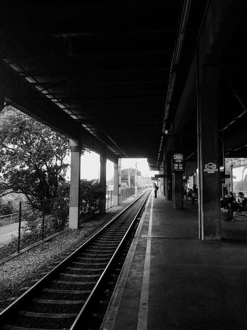 Foto d'estoc gratuïta de andana de metro, carrer, empresaris, estació del metro
