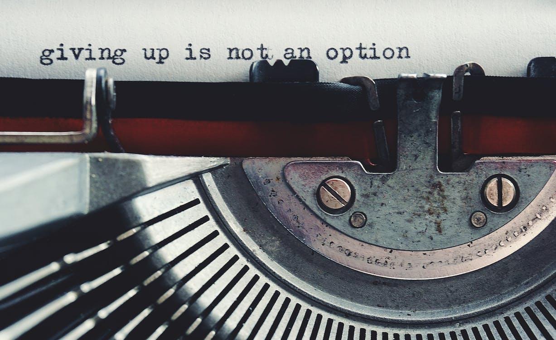 máy đánh chữ, từ ngữ, đánh máy