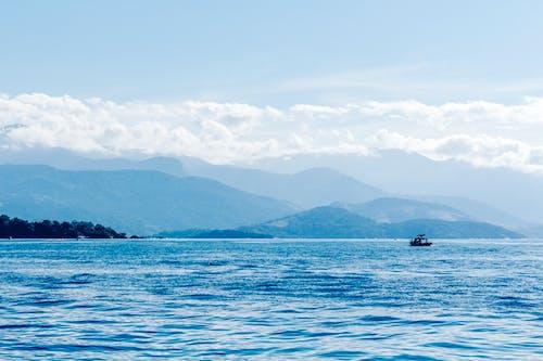 Gratis lagerfoto af fiskerbåde, landskab, vandområde